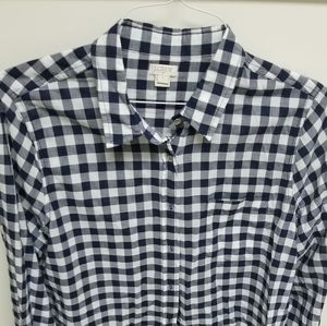 J crew button down top navy and white large